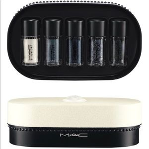 MAC - OBJECTS OF AFFECTION/SILVER + BLUE PIGMENTS